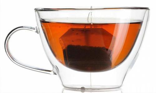 Beber el té muy caliente (a más de 60ºC) aumenta el riesgo de cáncer de esófago